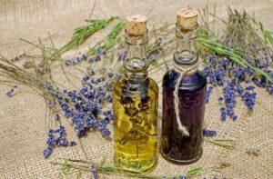 De juiste draagolie voor je kruidenmiddel kiezen: over droge oliën en natte oliën
