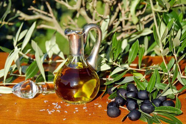 De juiste draagolie voor je kruidenmiddel kiezen: de beste basisolie voor huid en haar