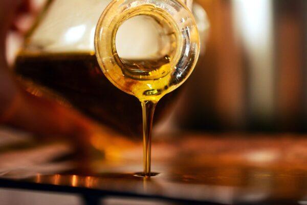 De juiste draagolie kiezen: geneeskrachtige eigenschappen van 11 medicinale oliën